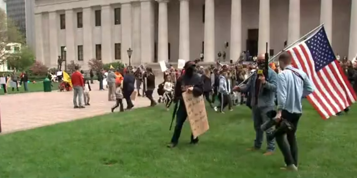 Armed protesters gather at Ohio Statehouse ahead of Gov. DeWine's coronavirus briefing; state's death toll tops 1,000