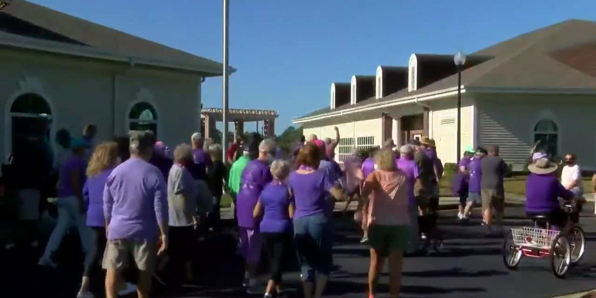 Lakeside Crossing community gathers for a Walk to End Alzheimer's