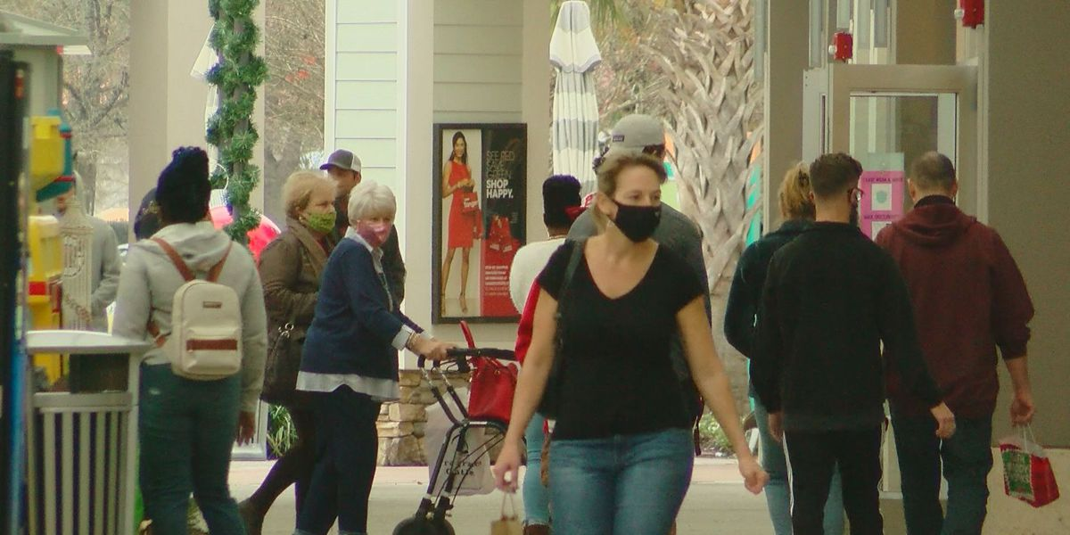 Last-minute holiday shoppers hit Grand Strand stores