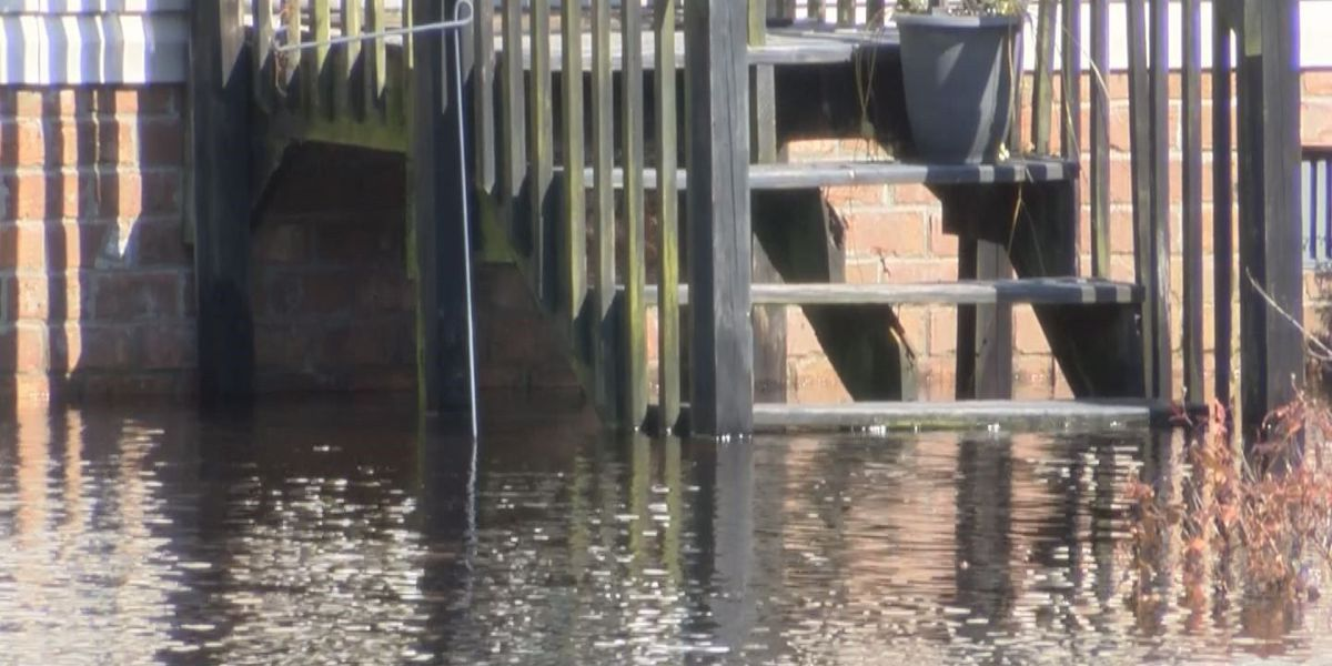 Floodwaters still rising at several Marion homes