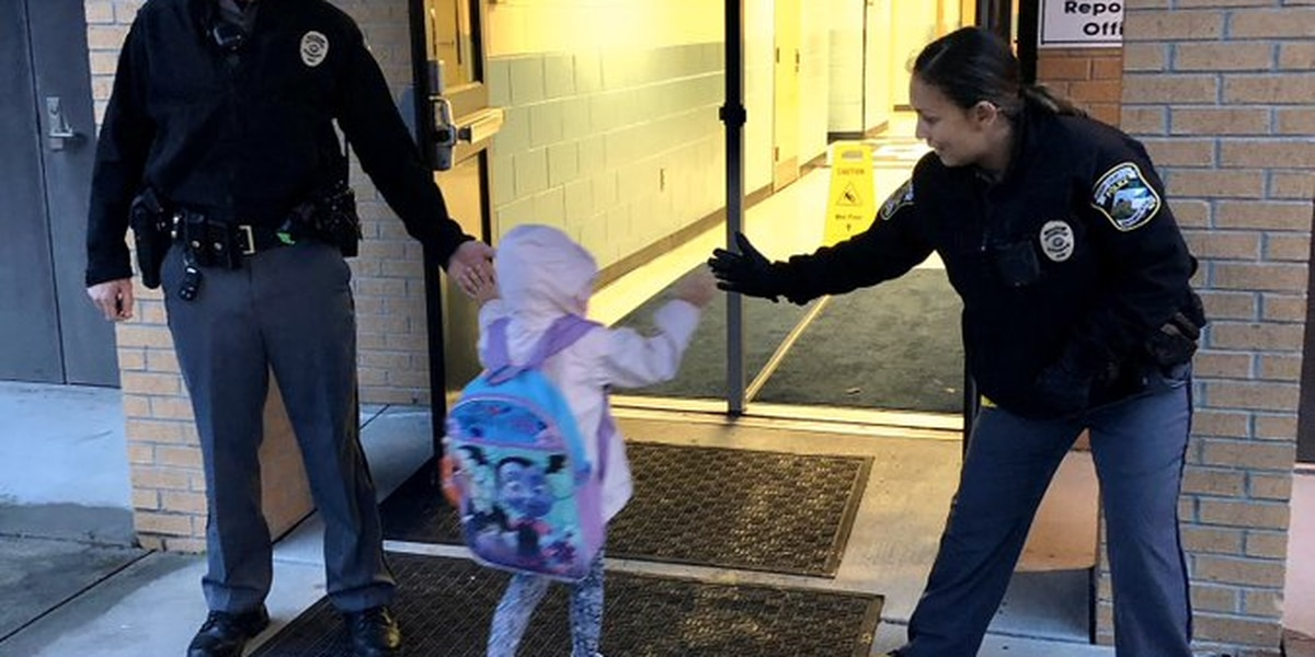 Horry police kick off 'Kindness Week' with students at Lakewood Elementary