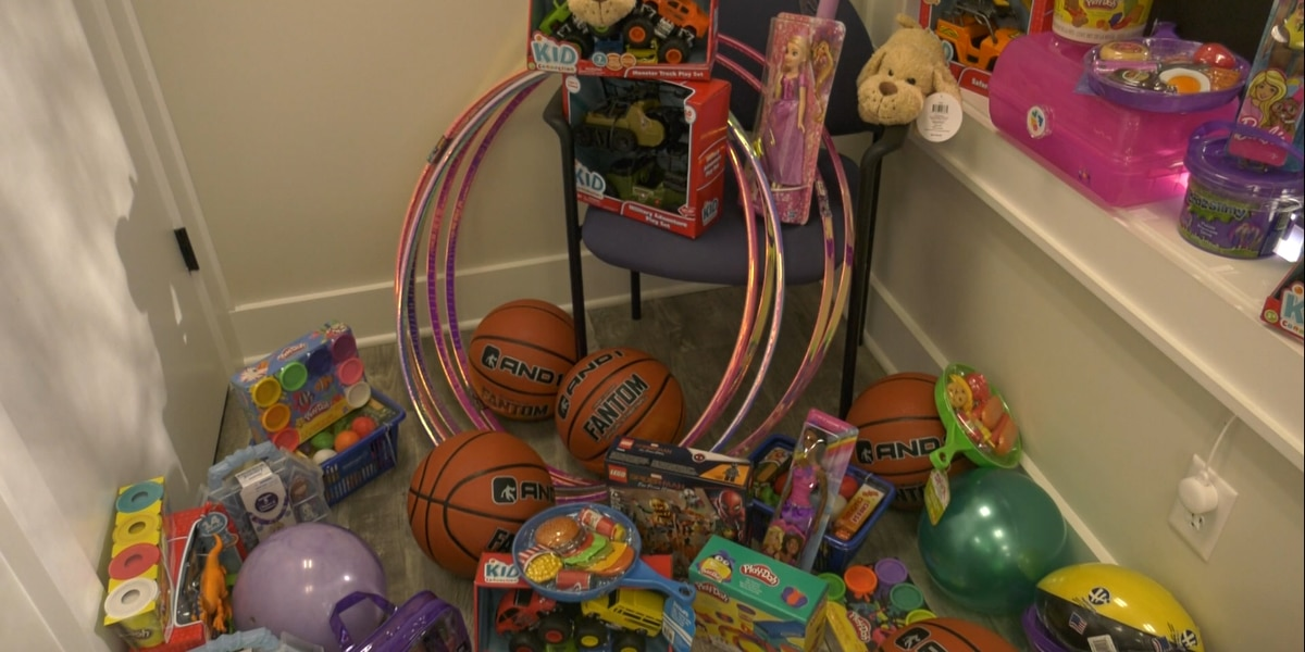Toys overload SC prosecutor who trades for community service