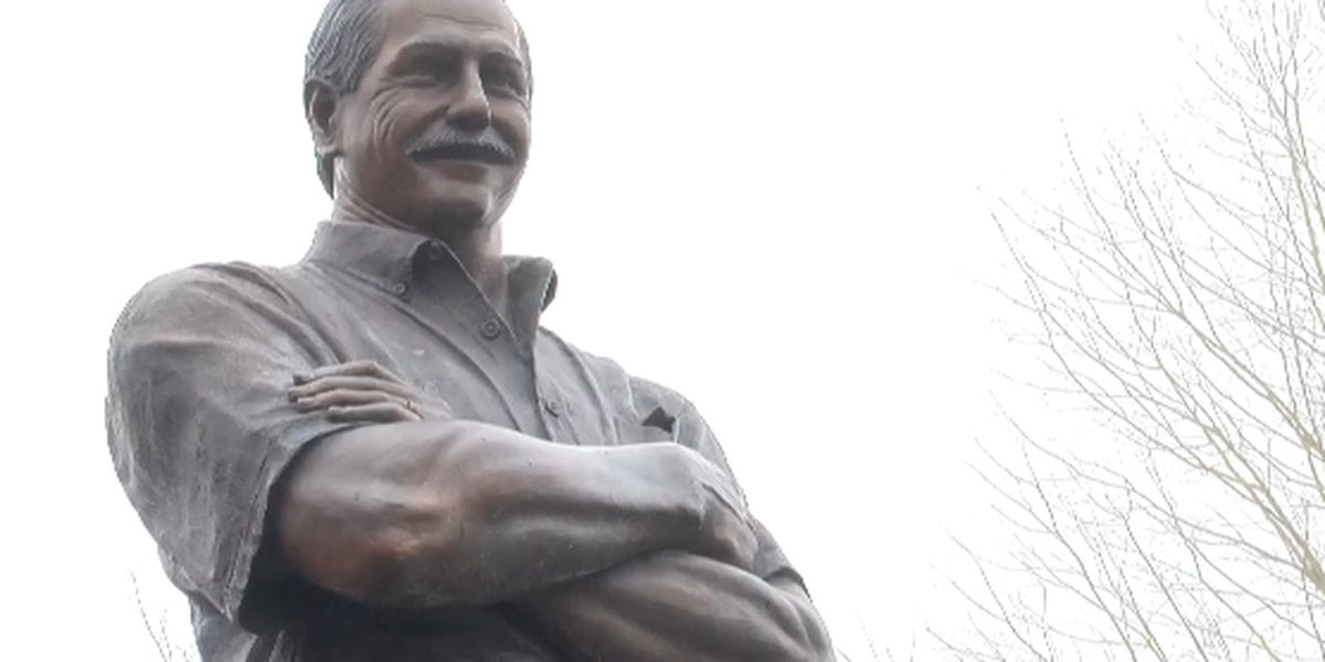 """Twenty years after his death, the legacy of 'The Intimidator"""" lives on"""