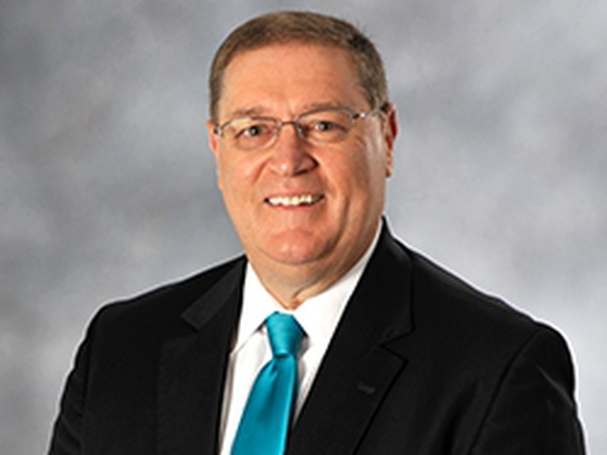 Coastal Carolina University President DeCenzo to retire in 2021