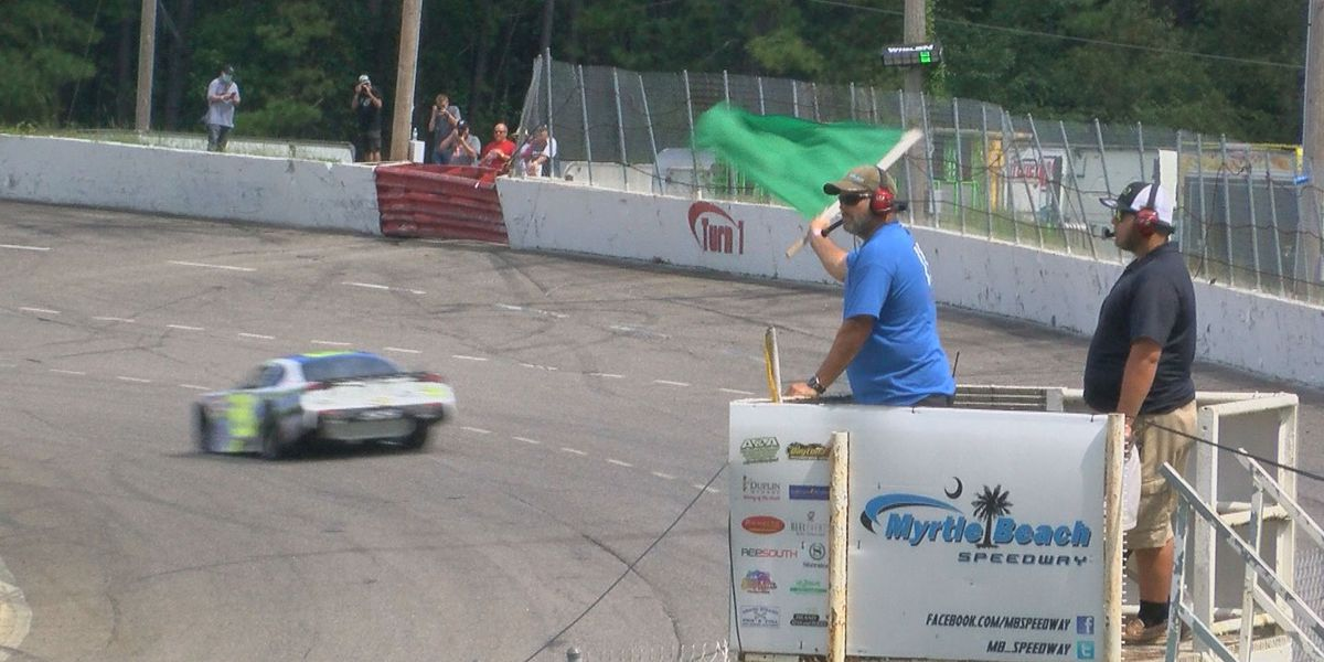 Fans say goodbye to Myrtle Beach Speedway during track's final race