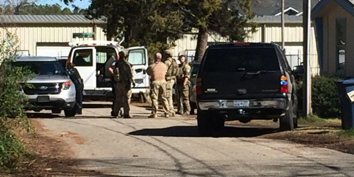 SWAT assists in execution of search in Myrtle Beach; man arrested on drug warrants