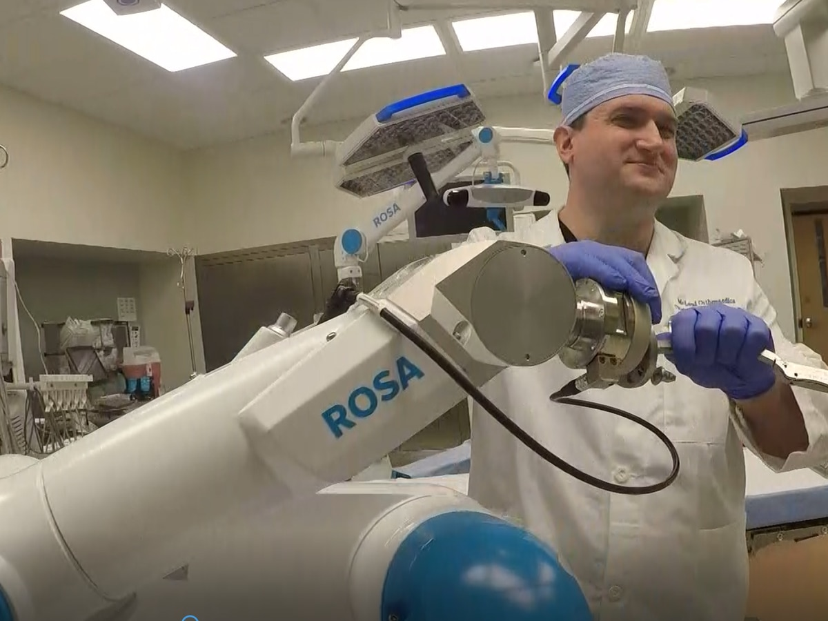Rosa the Robot joins McLeod Health operating room for knee replacement surgeries