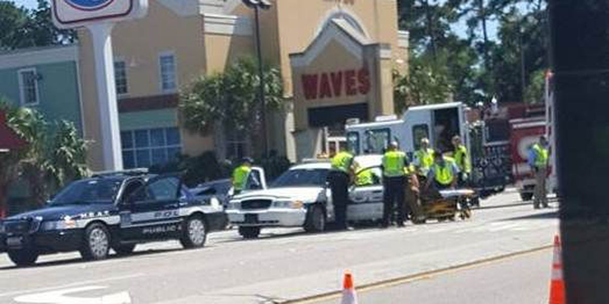 Three police officers injured in traffic crash in North Myrtle Beach