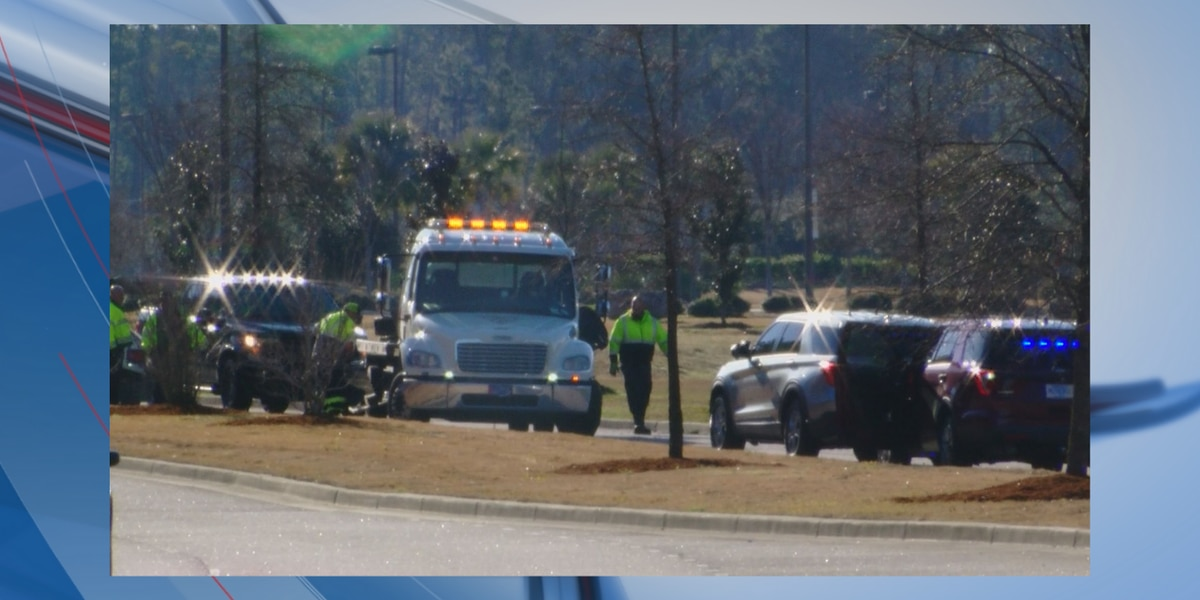 4 dead, others injured after car crashes into pond in Myrtle Beach