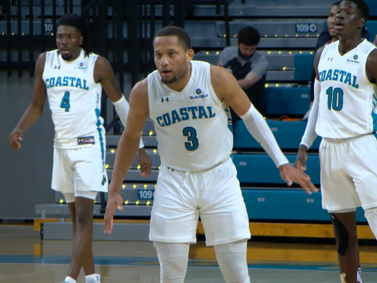 Jones' 30 points leads CCU to comeback victory over Troy
