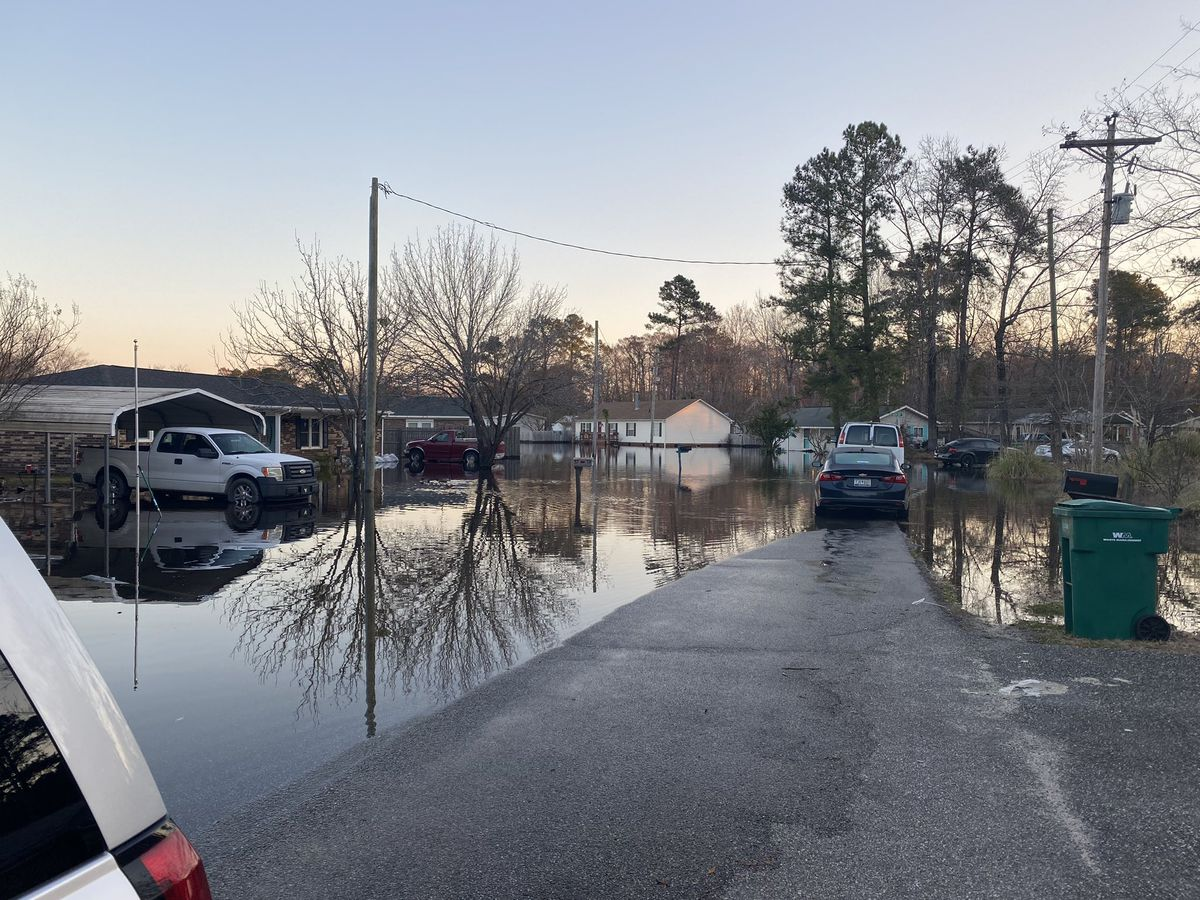 Horry police establish access control points for flooded neighborhoods