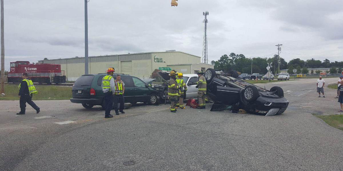 Four-car crash causes injuries at U.S. 501, East Cox Ferry Road