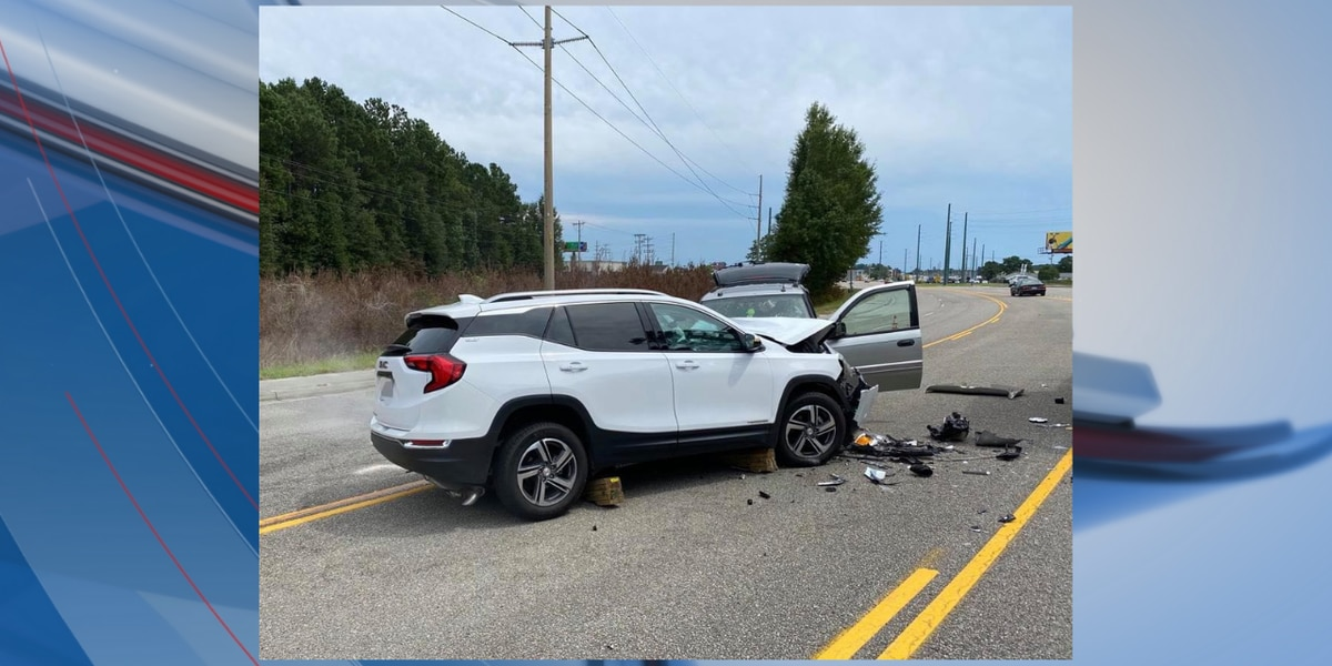 TRAFFIC ALERT: Crash leaves three injured in Horry County, drivers asked to avoid area