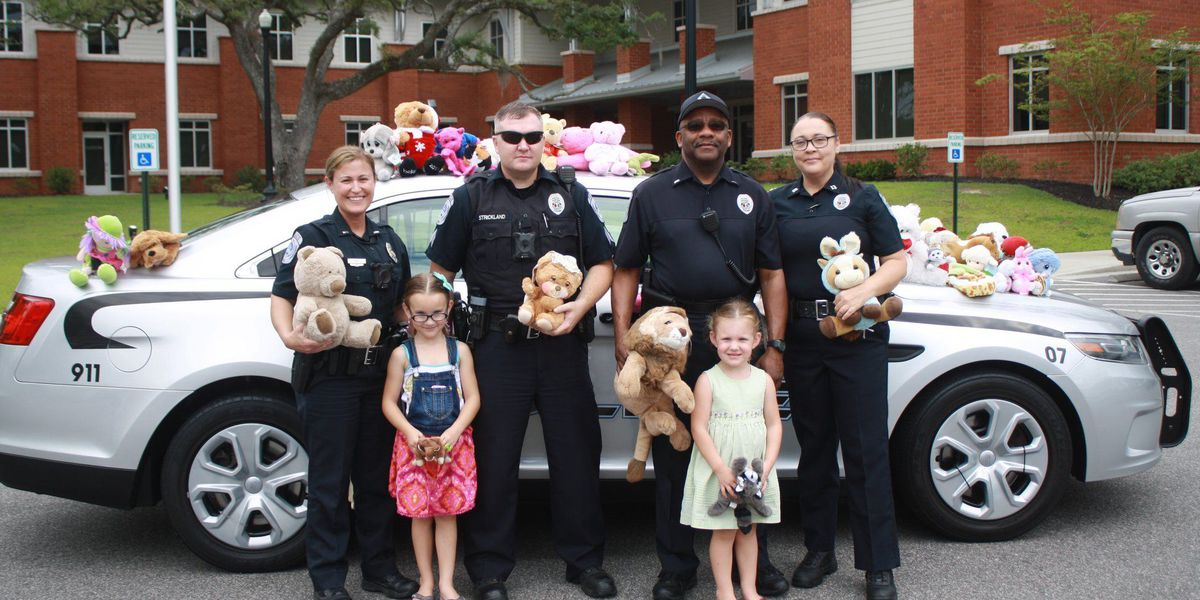 Conway police deliver stuffed animals, compassion to children while out on patrol