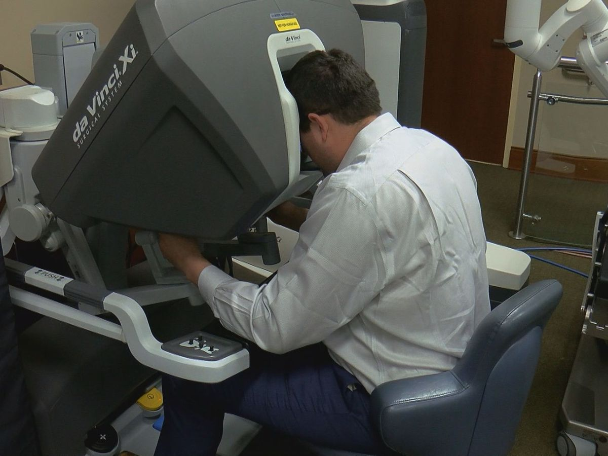 Conway Medical Center showcases new robotic surgery machine