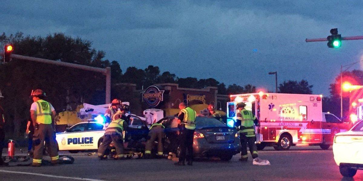 One person taken to hospital after 2-car wreck in Myrtle Beach