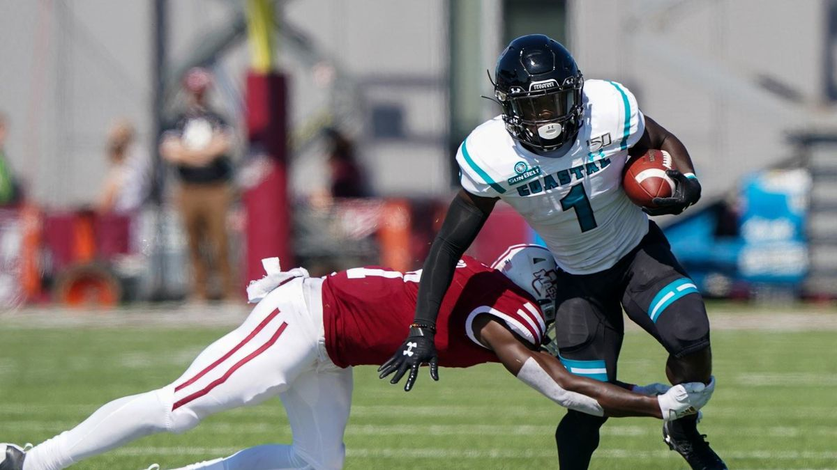Coastal Routes UMass in 62-28 Road Win