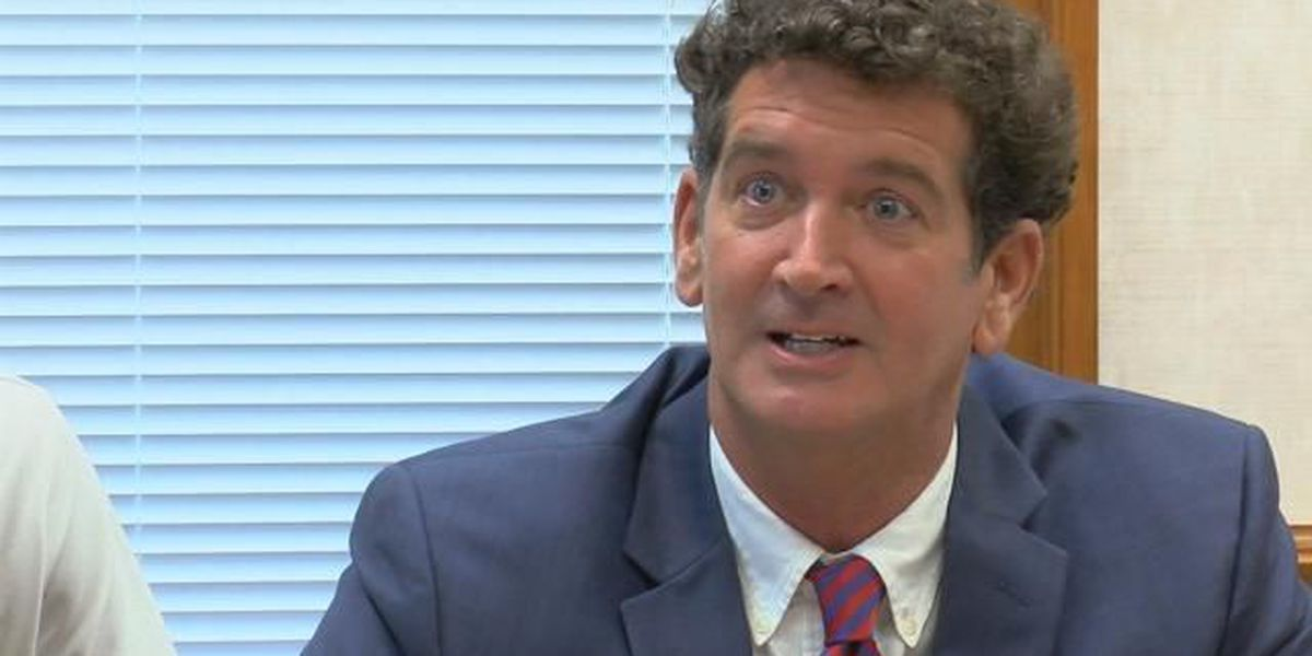 Former Myrtle Beach mayor officially enters race to retake office