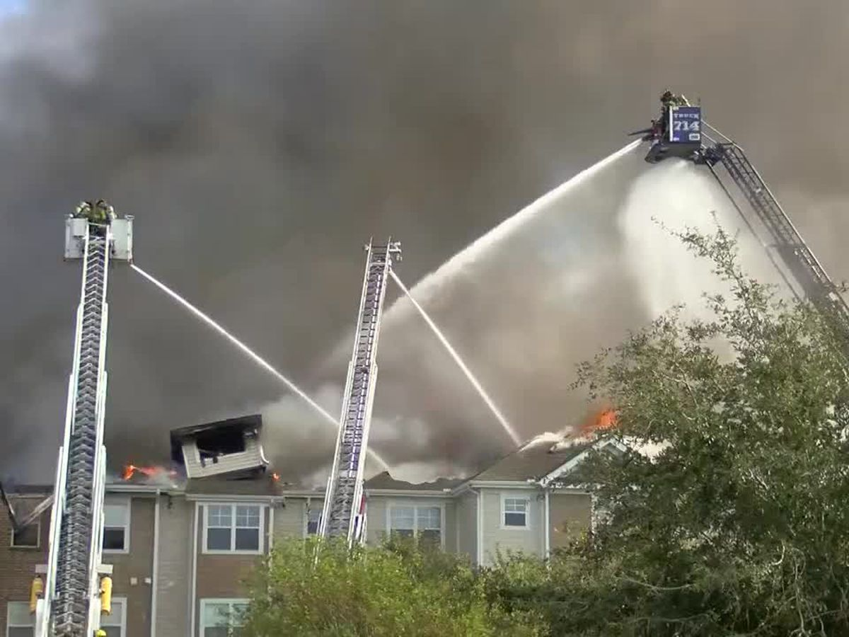 Fire extinguished that engulfed 18-unit building in North Myrtle Beach