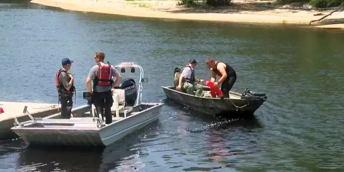 Crews to resume search Wednesday morning for missing swimmer in Lumber River