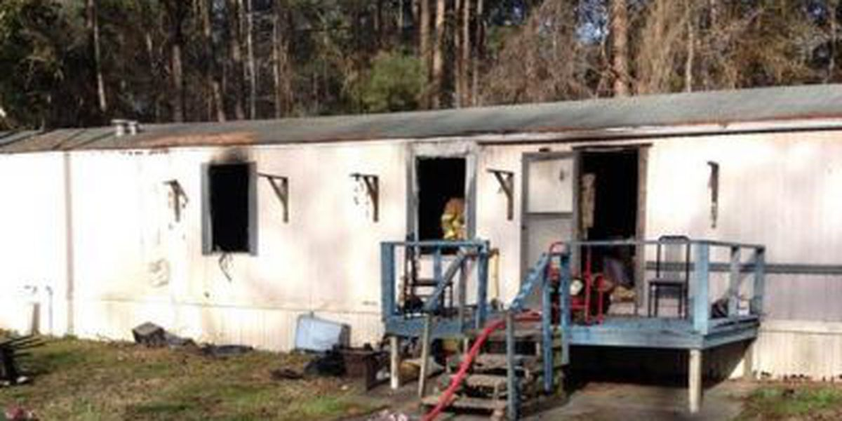Horry County Fire Rescue crews battle mobile home fire