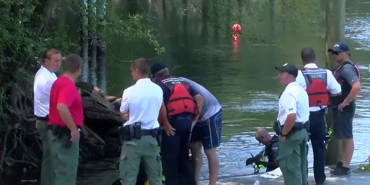 Horry crews continue search for swimmer reportedly swept away on the Lumber River