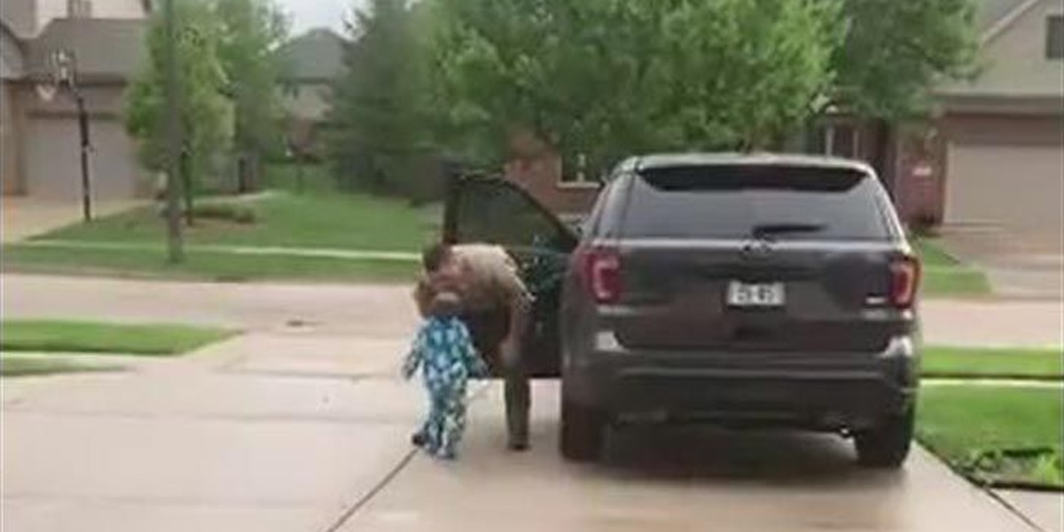 Boy wants 'one more kiss' before trooper dad heads to work