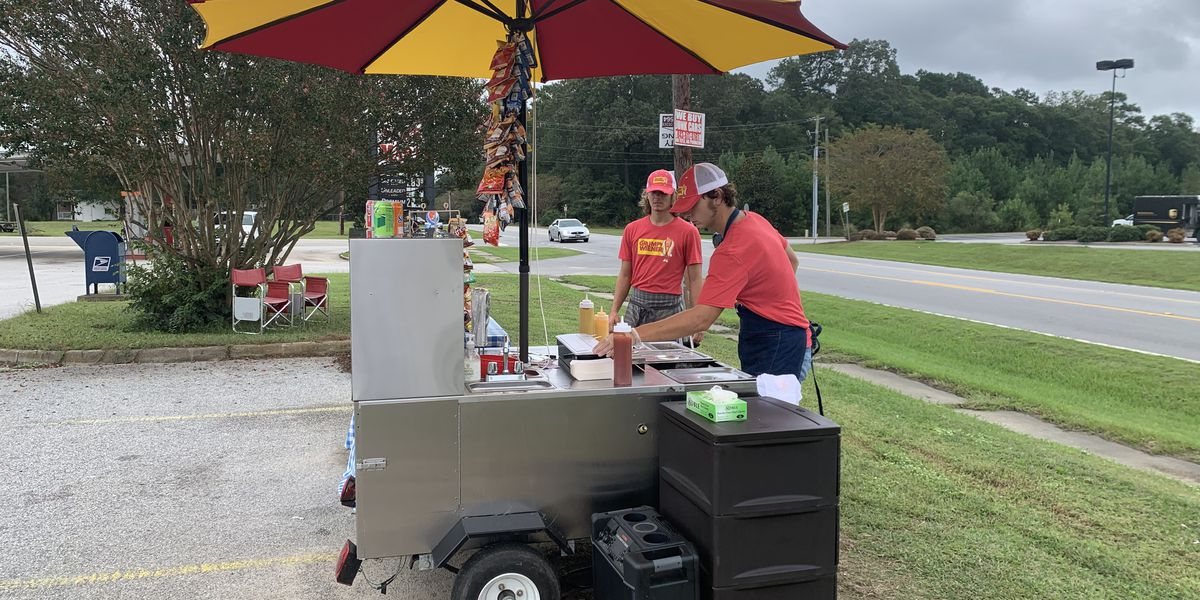 Pee Dee resident adapts to the pandemic, creates successful roadside hot dog stand