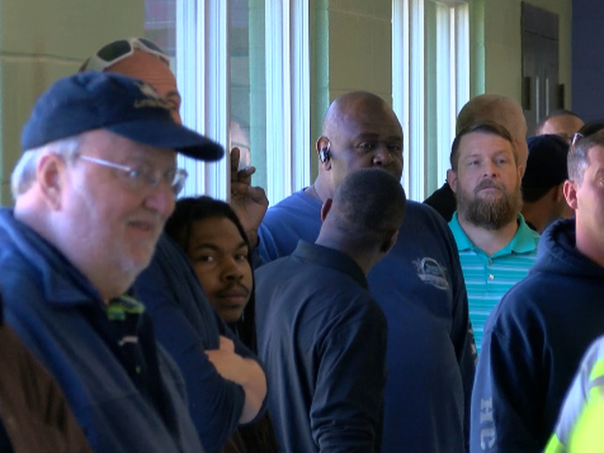 Over 100 fathers, men have lunch with children at Myrtle Beach area elementary school