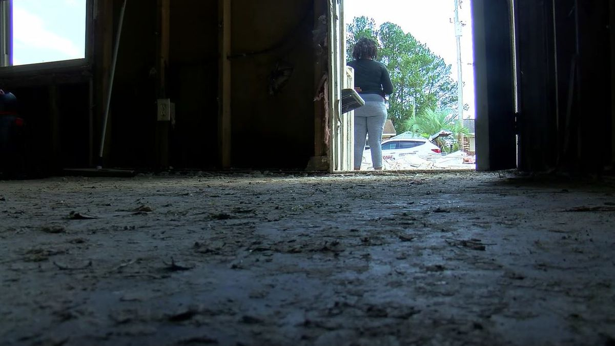 Rosewood residents debate rebuilding or leaving for good