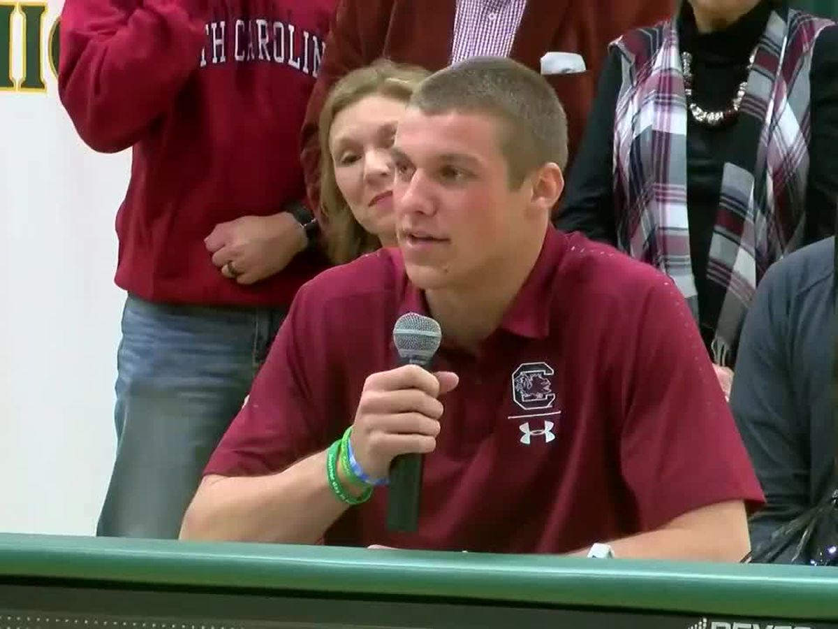 'It's just a dream come true': Myrtle Beach High quarterback officially signs with UofSC