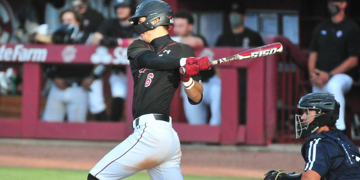 Two-run seventh propels Gamecocks past UNF, 7-6