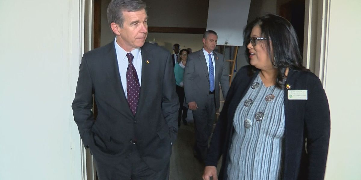 Cooper visits Robeson County to assess Hurricane Florence damage