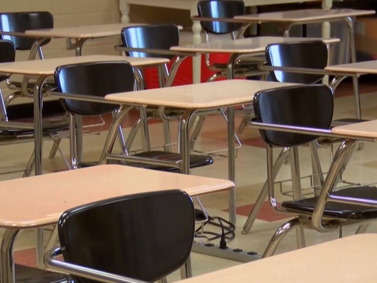 S.C. teacher groups calls superintendent's in-person option requirement 'unforgivable'