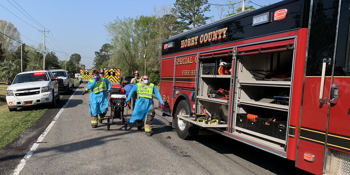 Three hurt in multi-vehicle crash on Highway 905