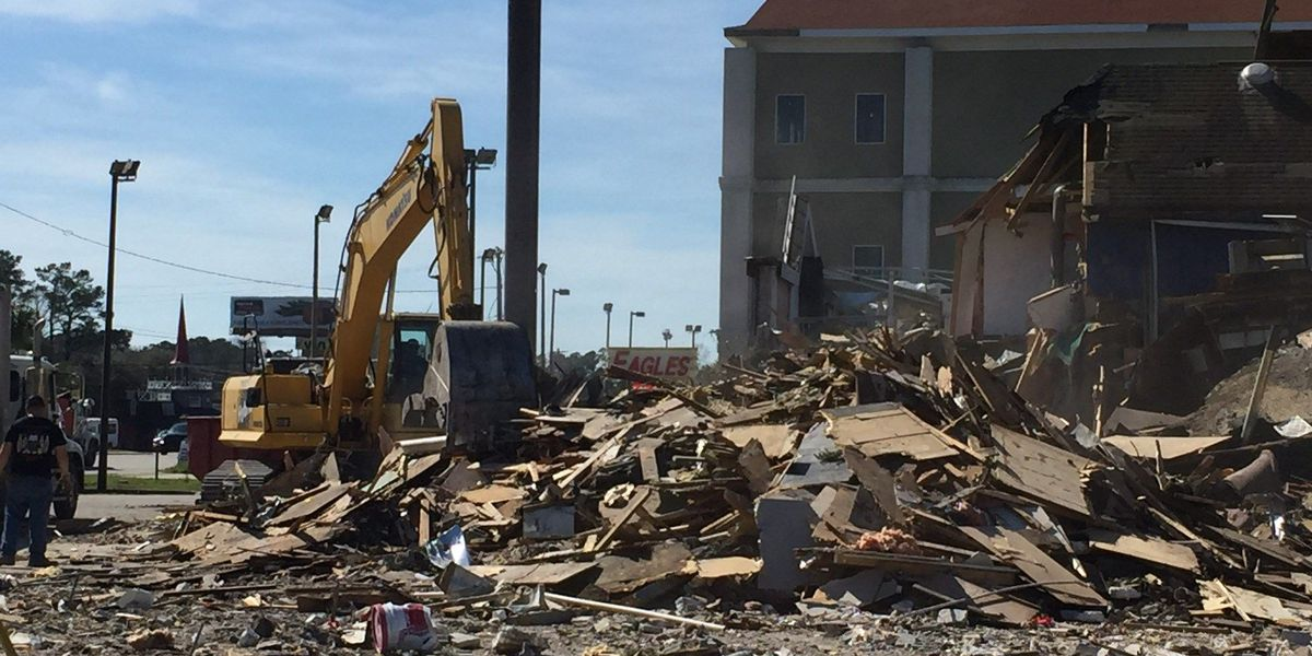 Former Thee Dollhouse location being torn down