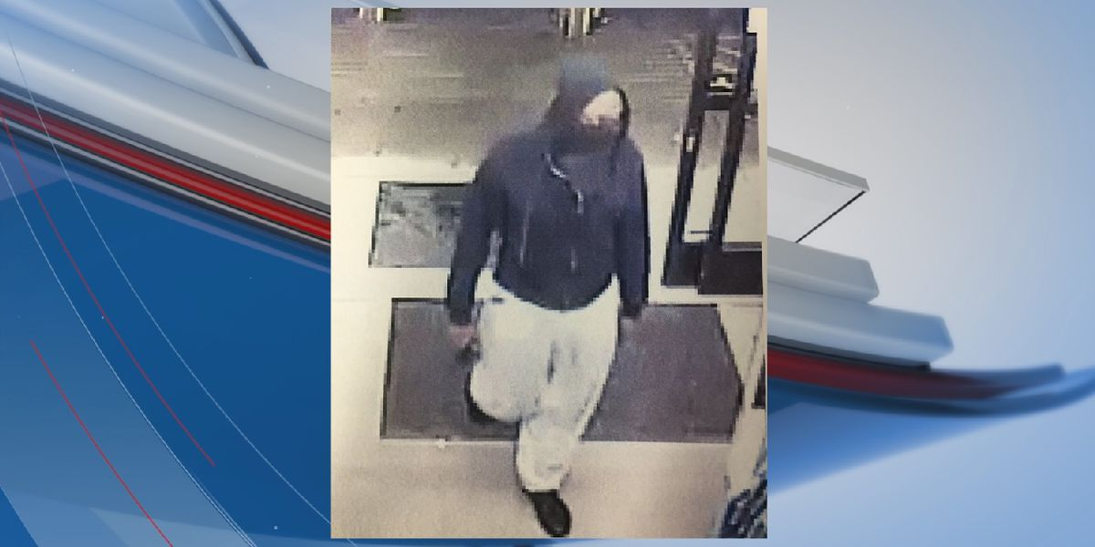 Dollar General store in Marion County robbed by masked suspect, sheriff says