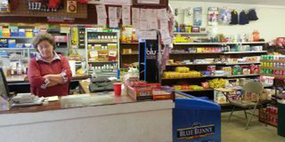 3 masked men rob Marion County grocery store, officials confirm