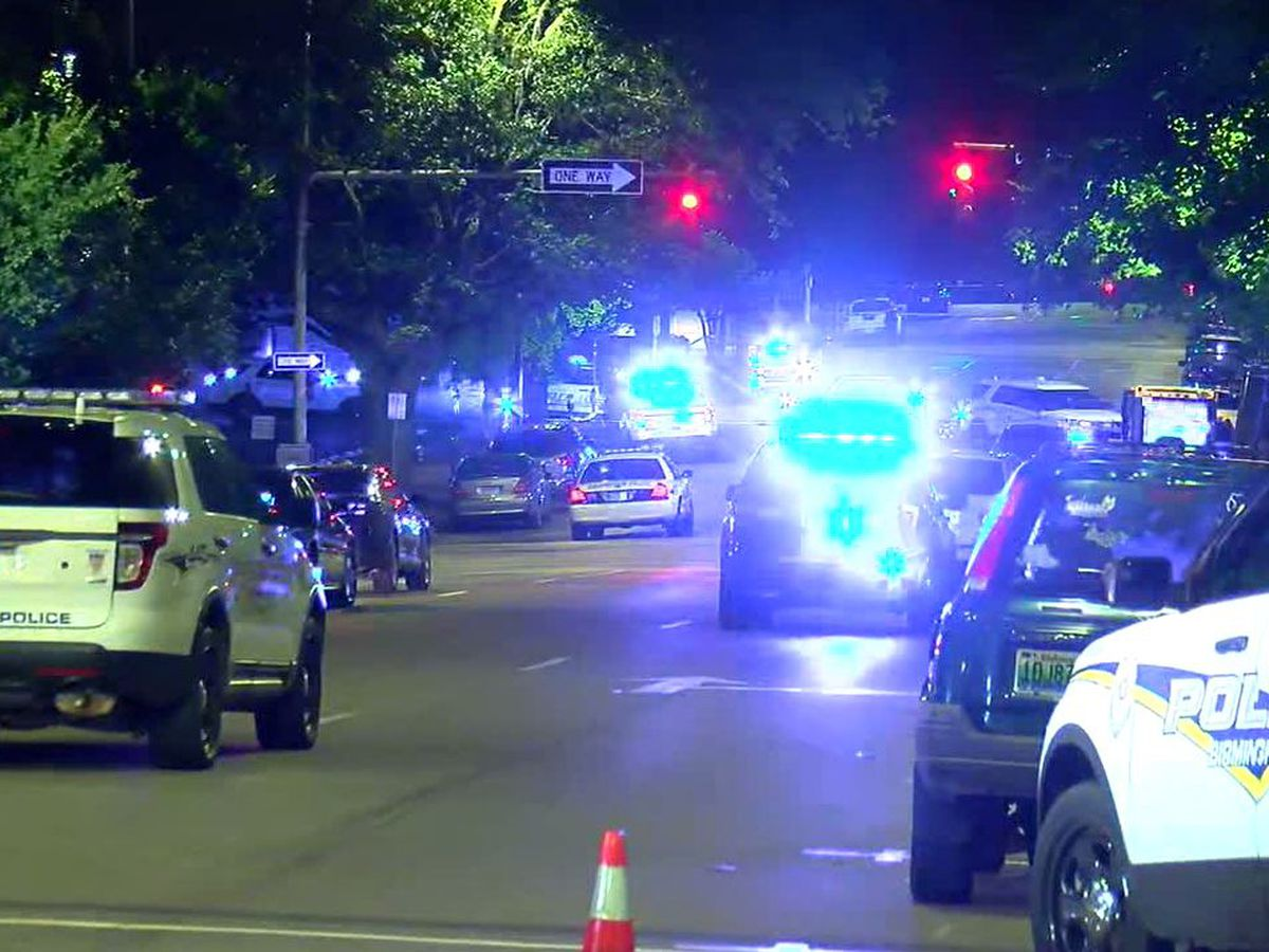 Officer shot, suspect dead after armed robbery in downtown Birmingham