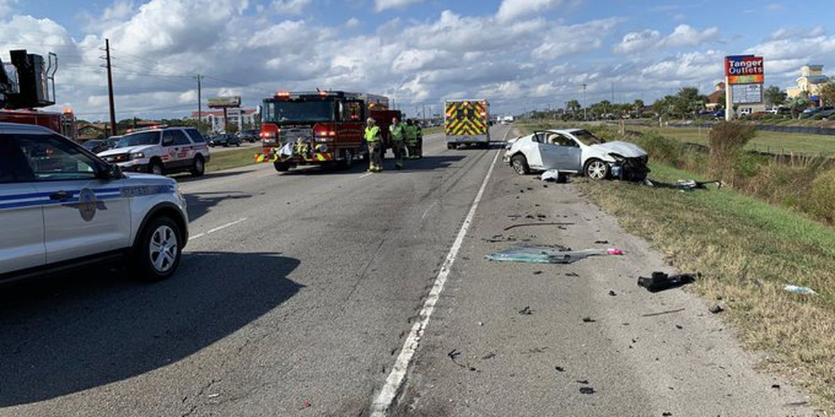 Two-car crash injures one, closes all northbound lanes of U.S. 501 north of S.C. 31