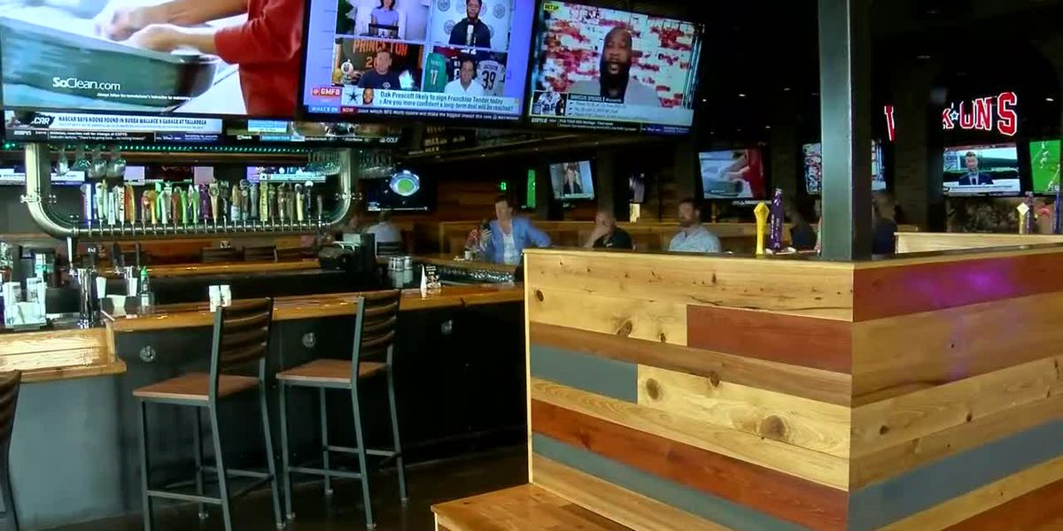 New Myrtle Beach eatery opens doors to public, donates to Grand Strand Miracle Leagues