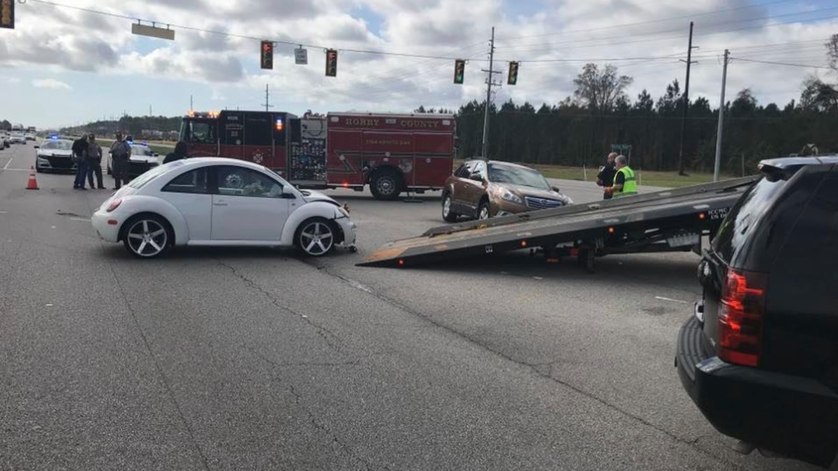 Two-vehicle crash on Highway 501 in Conway area slows traffic