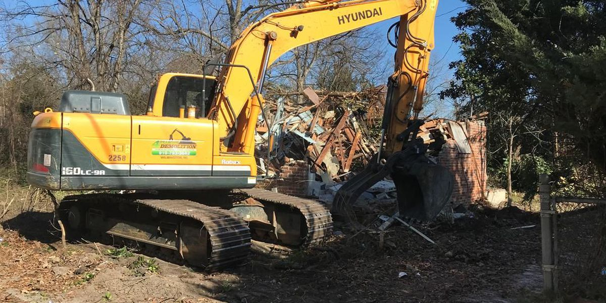 Habitat for Humanity teams with city to clear 11 derelict Hartsville homes