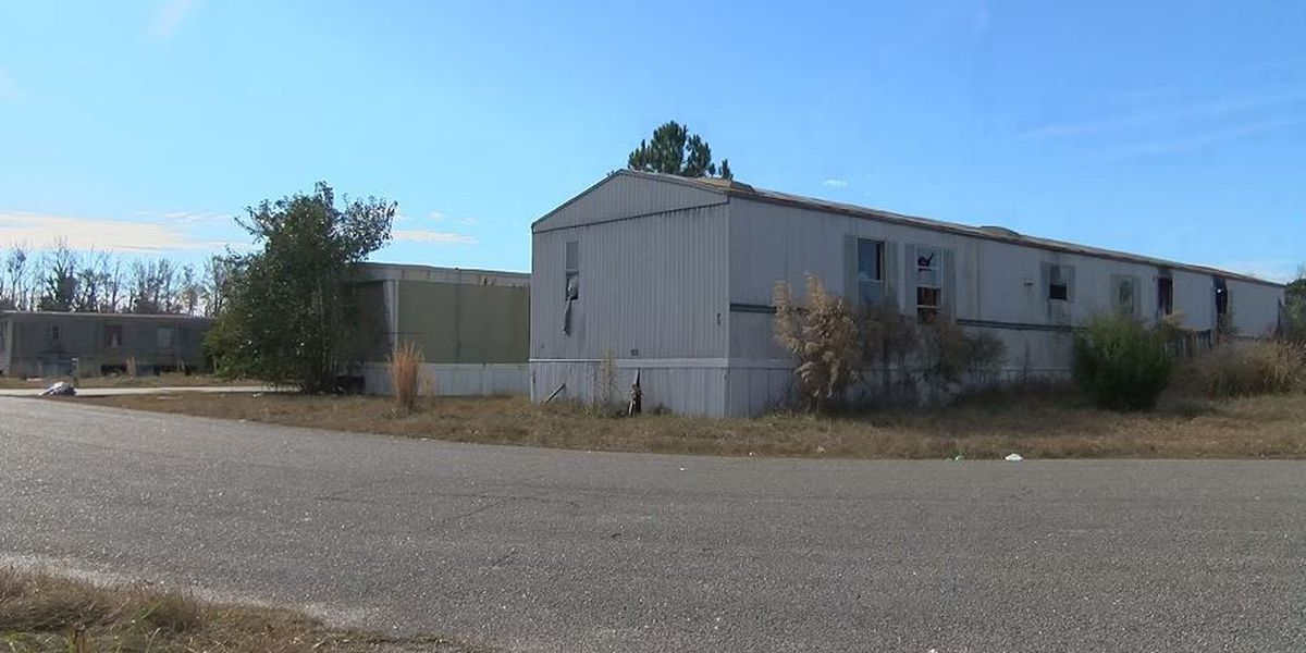 Deadline extended for Wedgefield mobile home residents to move out