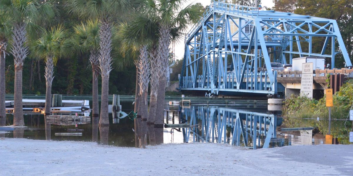 Waccamaw River in Conway breaks record flood level set in 1928