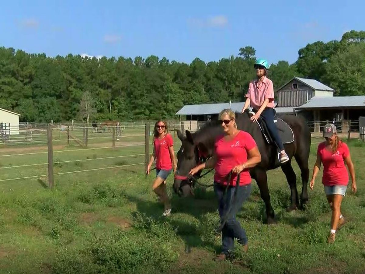 Horseback rider refuses to let cancer keep her from riding