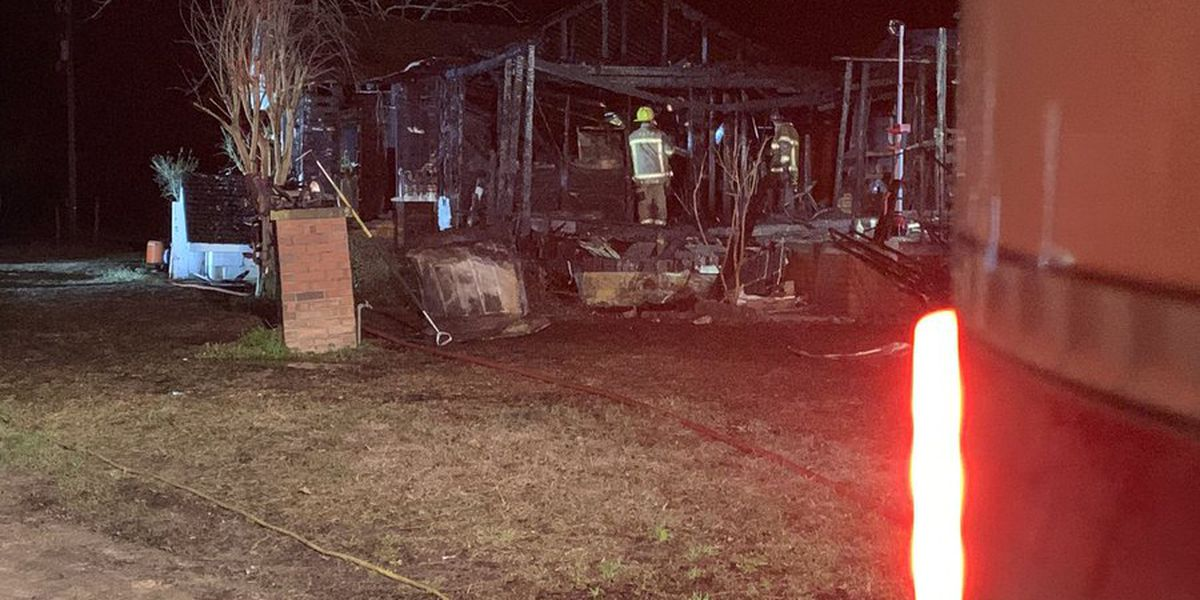 Two displaced after structure fire in Galivants Ferry