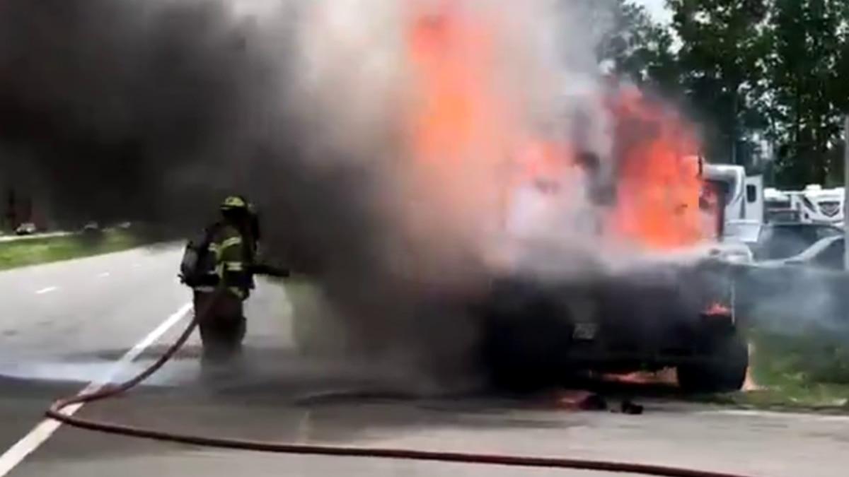 WATCH: Crews battle vehicle fire on Highway 9 in Longs