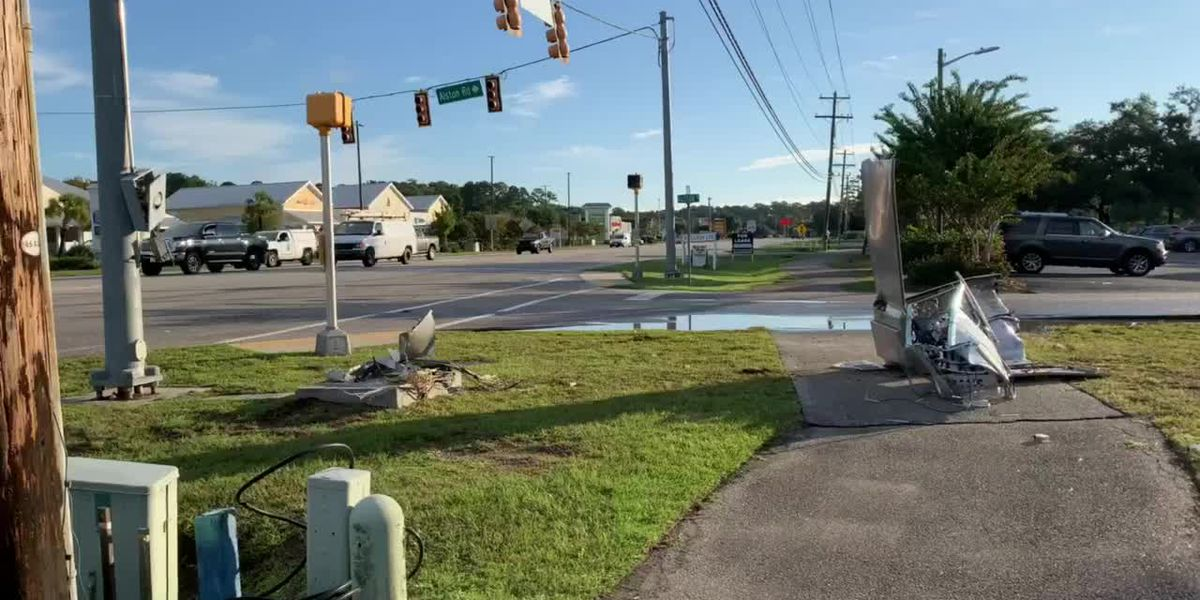 Crash takes out electrical box at Pawleys Island intersection