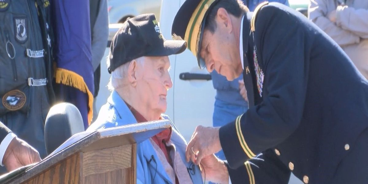 94 year-old US Army Veteran receives Purple Heart medal